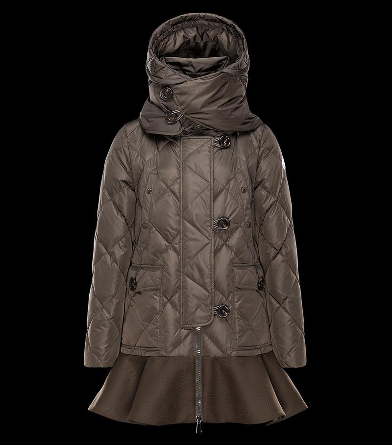 Коричневая модная куртка из зимней коллекции Moncler