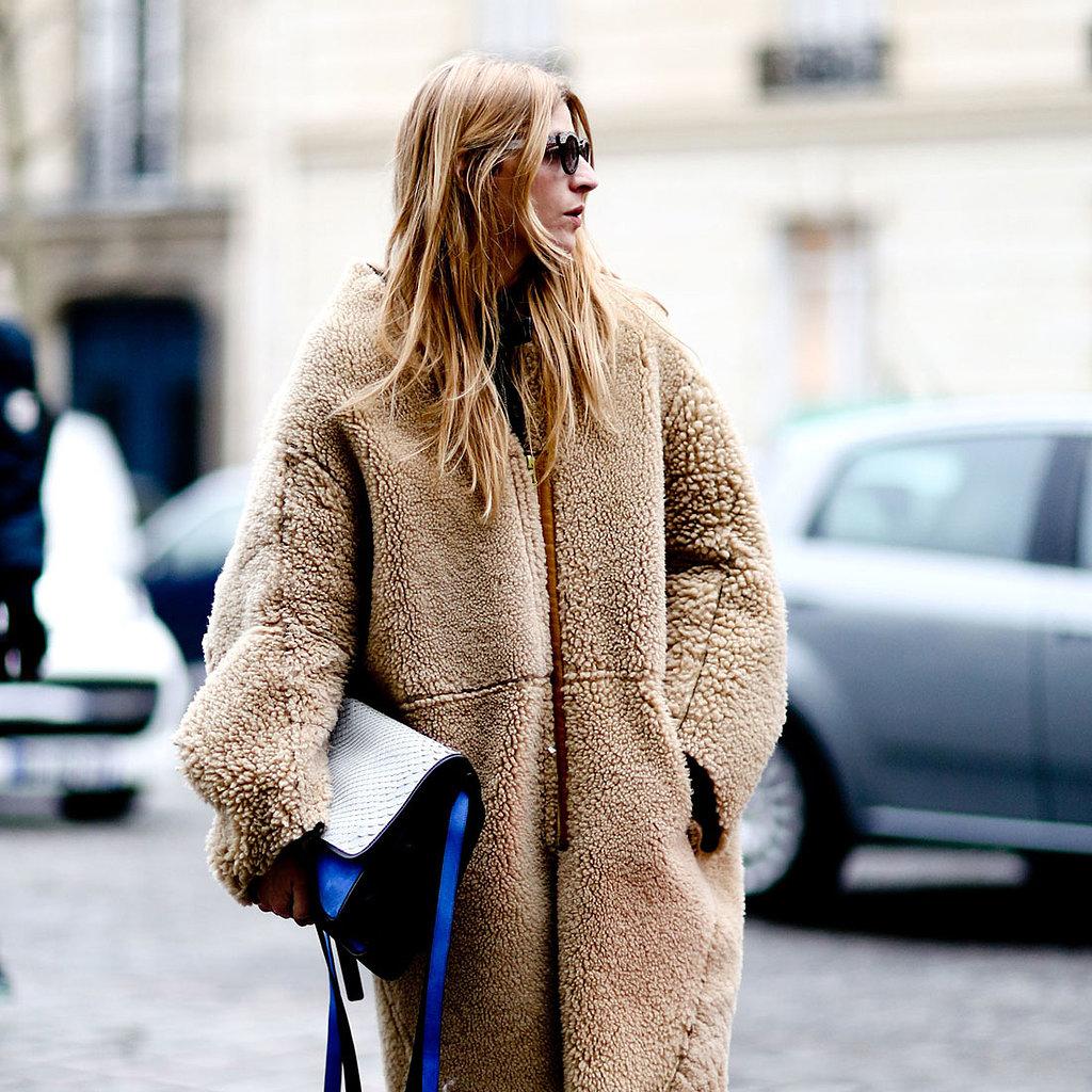 Очень широкое пальто оверсайз в стильном образе