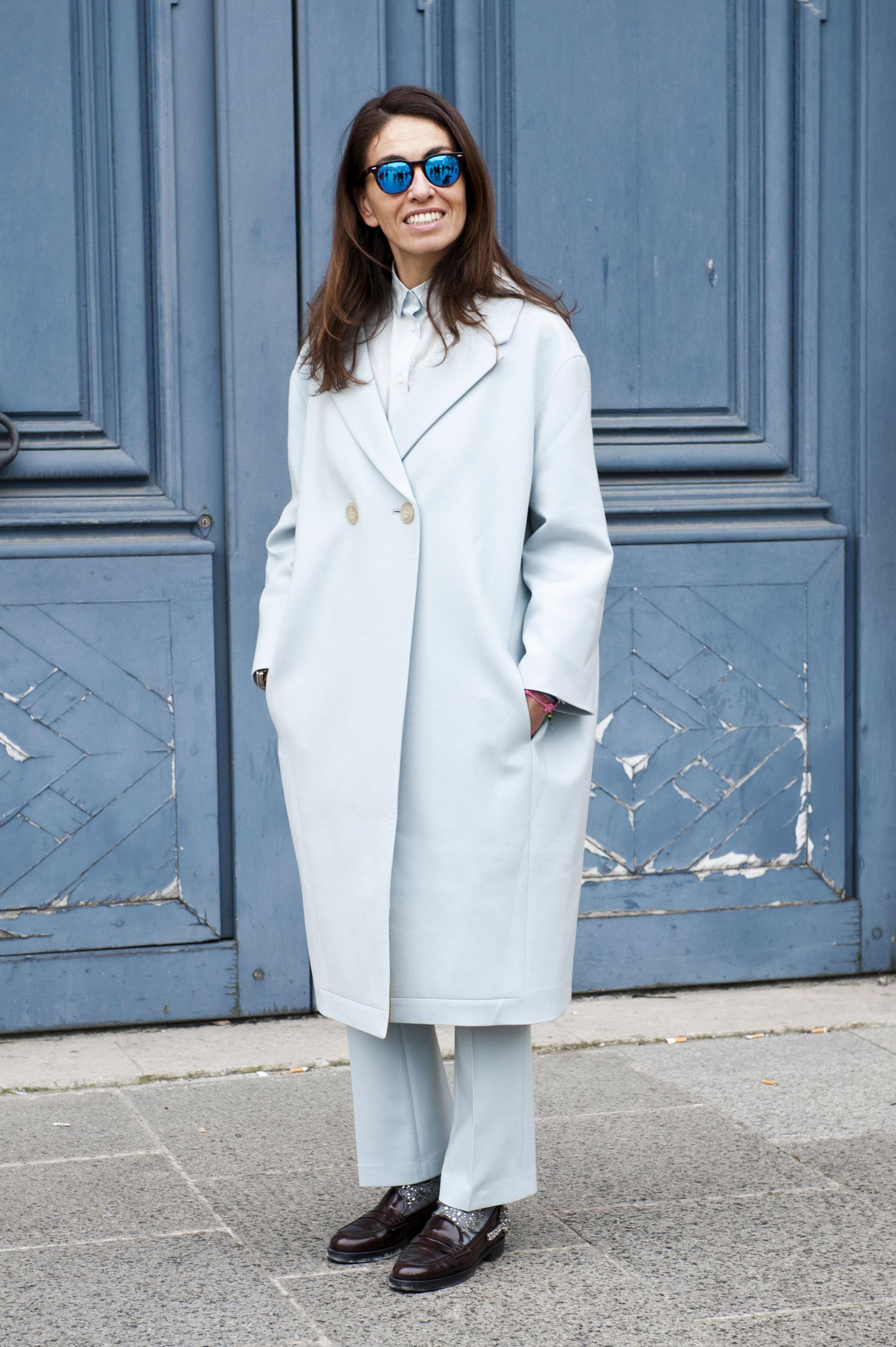 Для делового образа выбирайте нежное пальто оверсайз пастельных оттенков