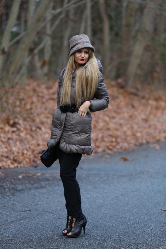Элегантная модель пальто на синтепоне с поясом – отличное решение для всех девушек, которые обожают женственные образы