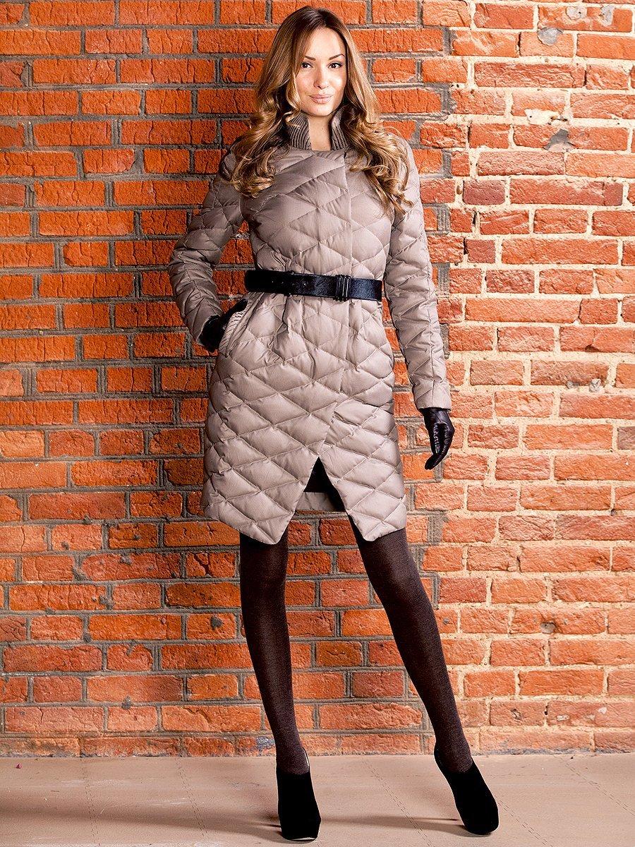 Фото элегантного пальто на синтепоне с ремнем