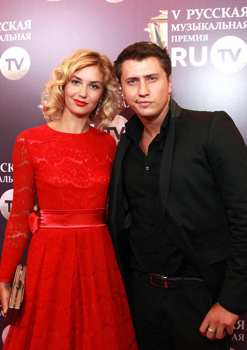 Павел Прилучный с женой Агатой