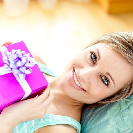 Попасть в точку: 11 идей для подарков на 8 марта