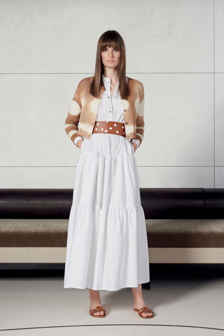 В моде 2016остается белая классика из коллекции Agnona.