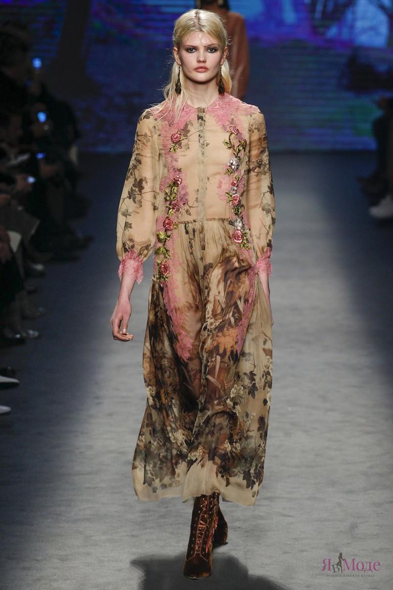 новый показ коллекции Alberta Ferretti осень-зима 2016-2017 на Неделе моды в Милане