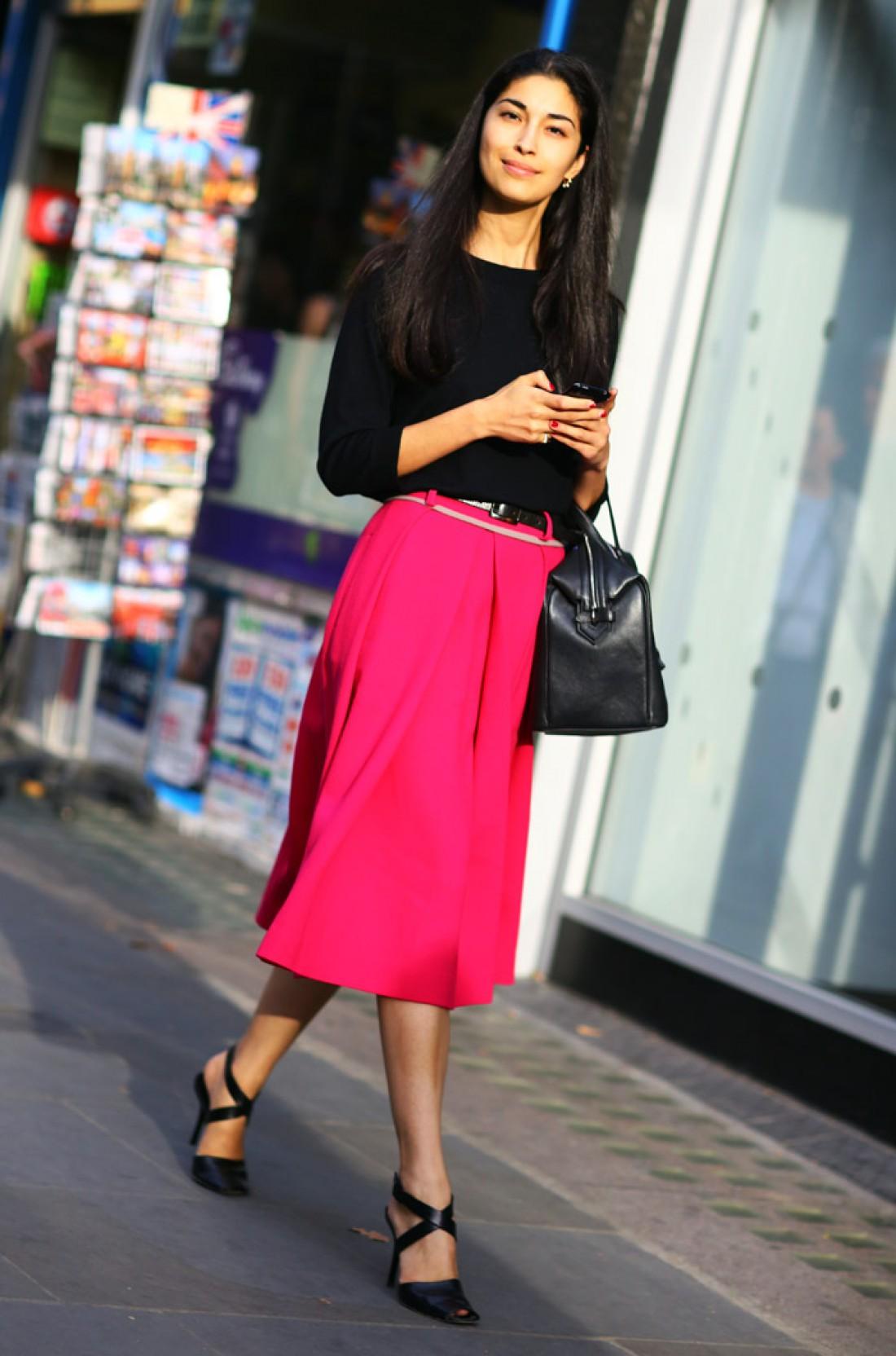 Фото новинки, как красиво сочетать красный цвет в одежде
