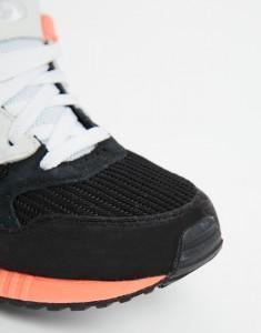 Черно-бело-розовые кроссовки New Balance 530