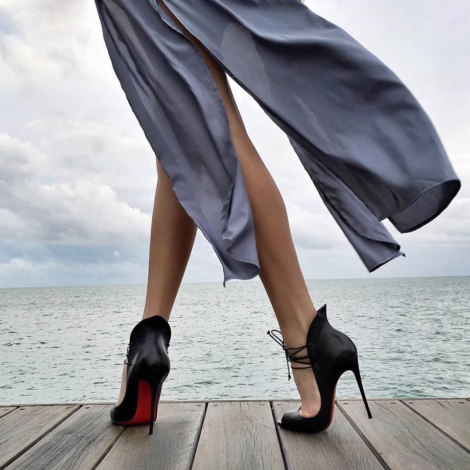 Черные туфли лабутены