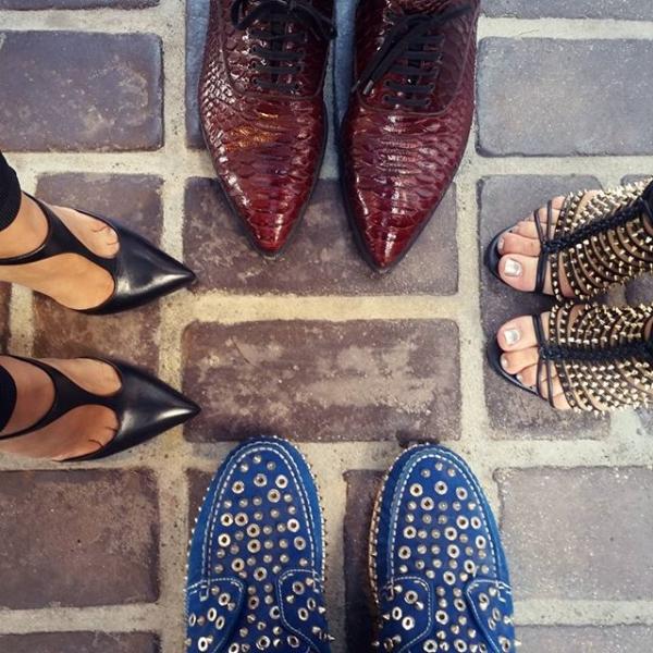 На фото: мужские и женские модные туфли Лабутены