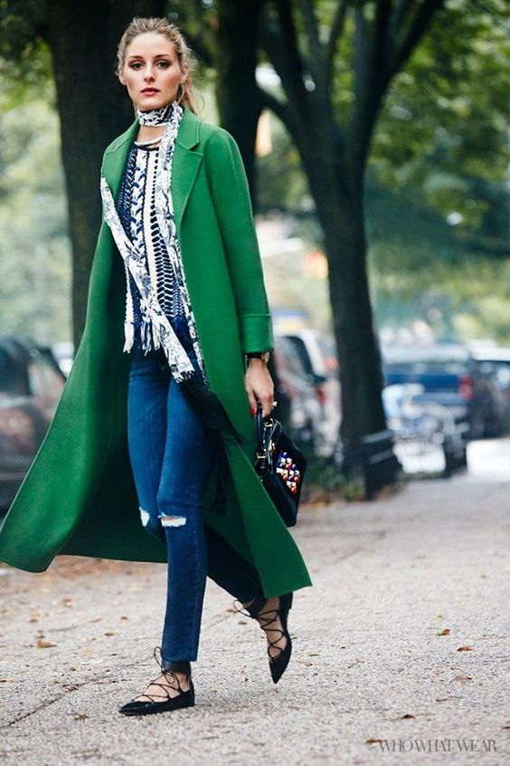 Зеленое яркое длинное пальто макси – тренд весны 2016 года