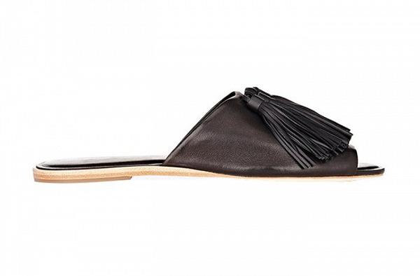 Модные сандалии без каблука - фото новинки