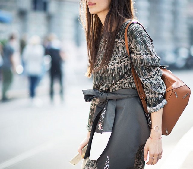 7-handbags-carried-by-the-worlds-most-powerful-women-1175439.640x0c