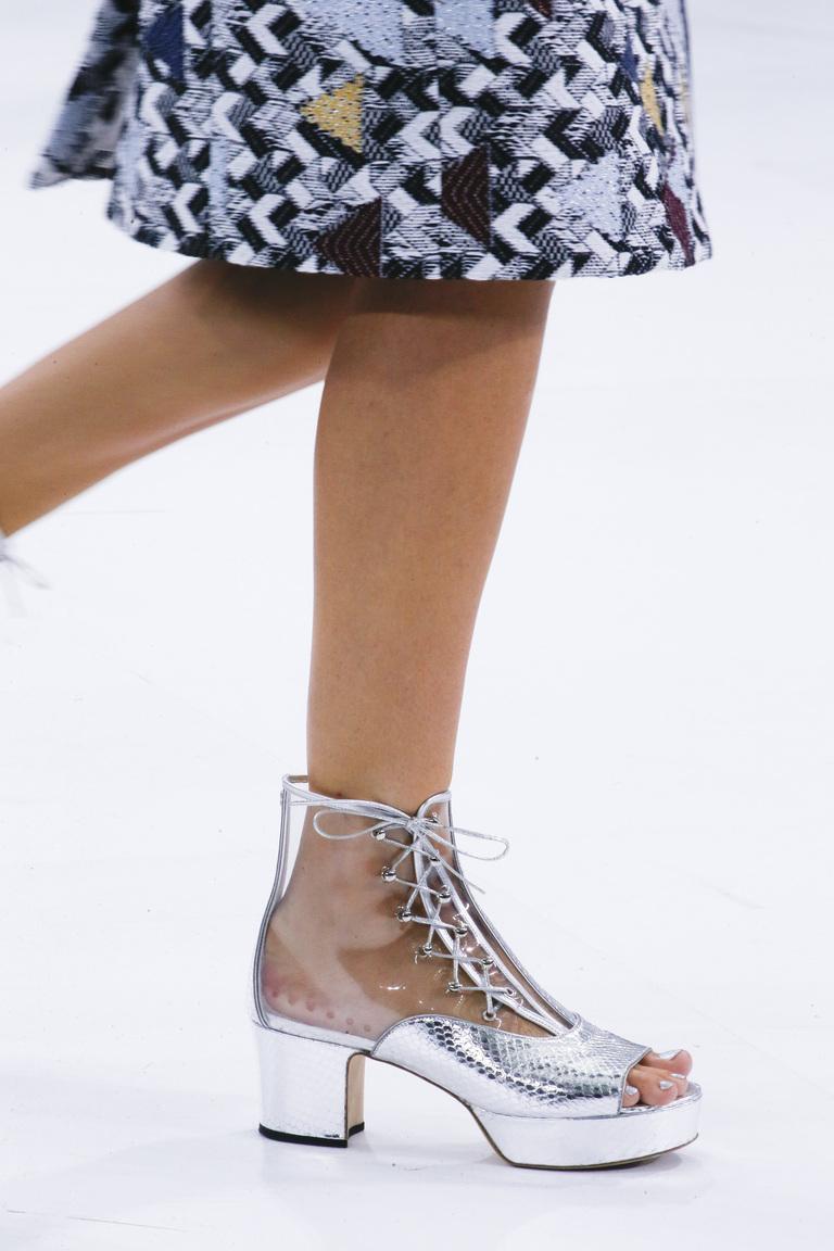 Модная обувь весна-лето 2016: туфли из коллекции Chanel.