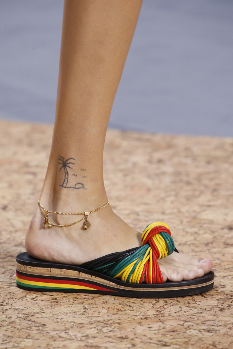 Модные туфли весна-лето 2016 - удобные босоножки из коллекции Chloé.
