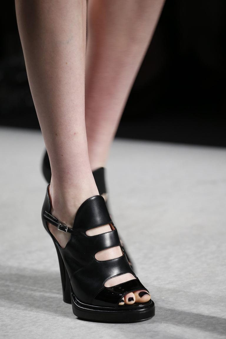 Модные туфли весна-лето 2016 - туфли из коллекции Fendi.