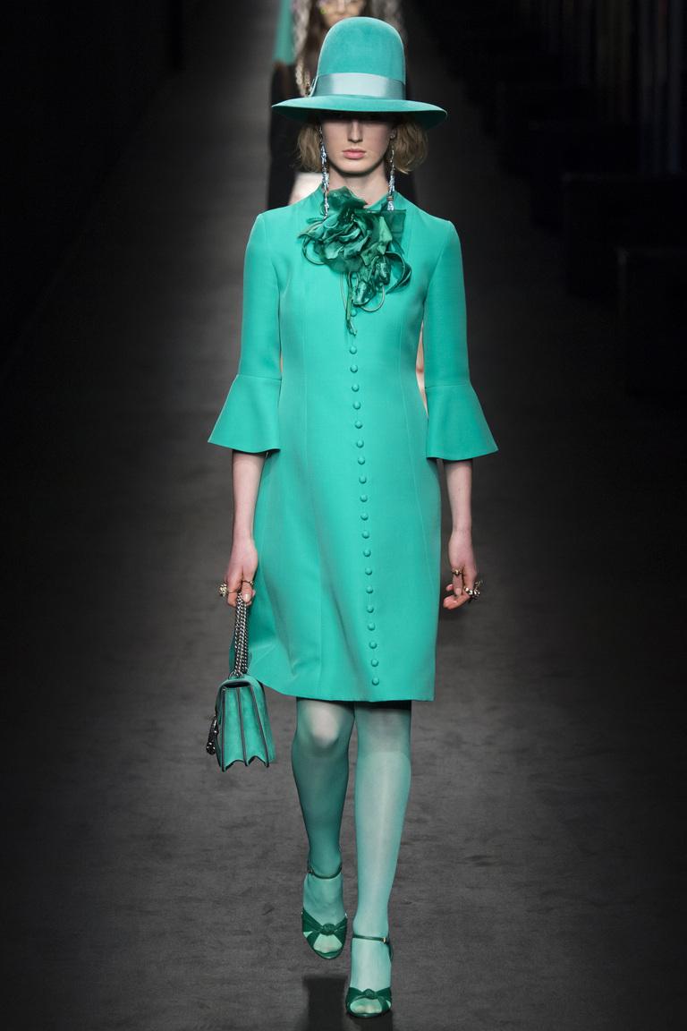 Монохромные наряды - одноцветный наряд из коллекции Gucci.