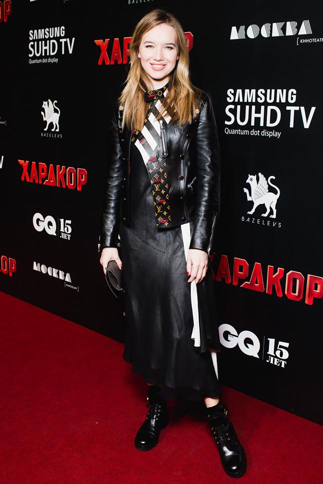 Новый модный стиль российского шоу-бизнесе так называемый байкерский.стиль.