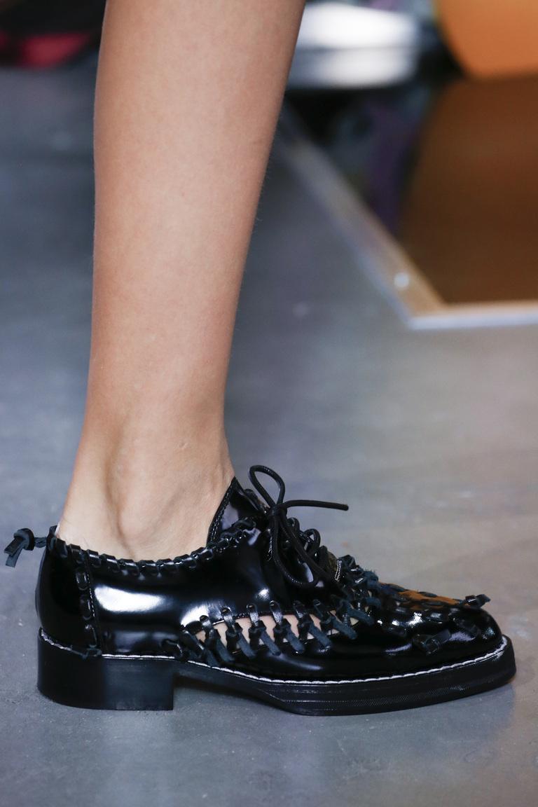 Модные туфли весны и лета 2016: туфли из коллекции Louis-Vuitton.