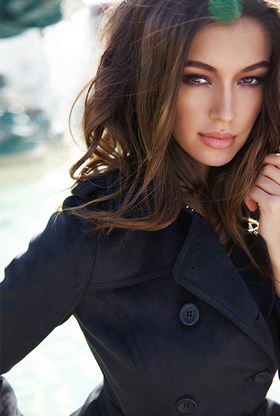Новая коллекция Love Republic - короткое чернон пальто в стиле Шанель.