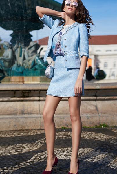 Новая коллекция Love Republic - костюм с юбочкой в мелкую клетку с отделкой по краю жакета и юбки.