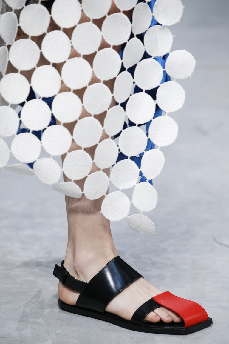 Модные туфли весна-лето 2016 - удобные босоножки из коллекции Marni.