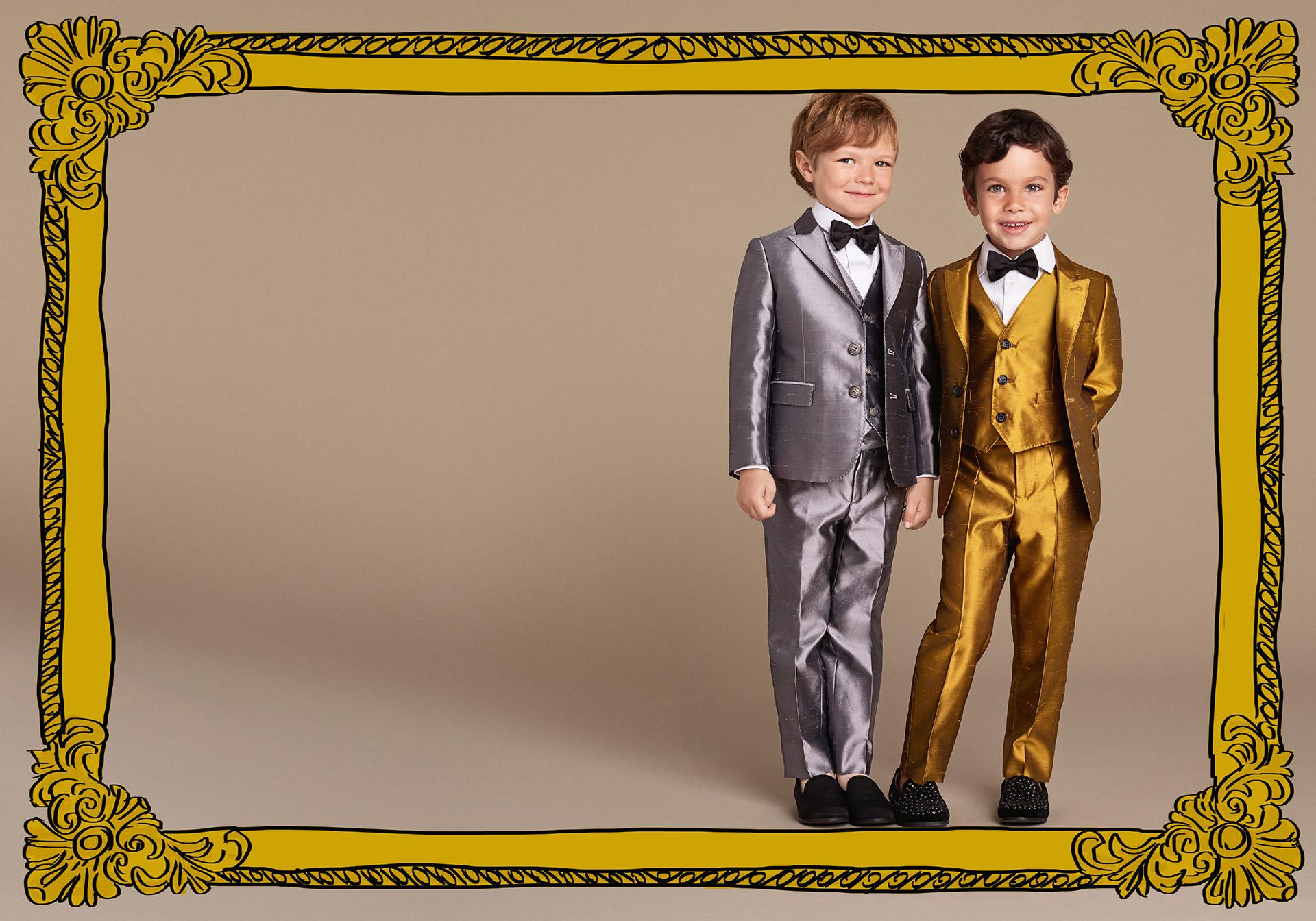 Новая коллекция для детей 2016 - классические костюмы серебристоого и золотистого цвета.