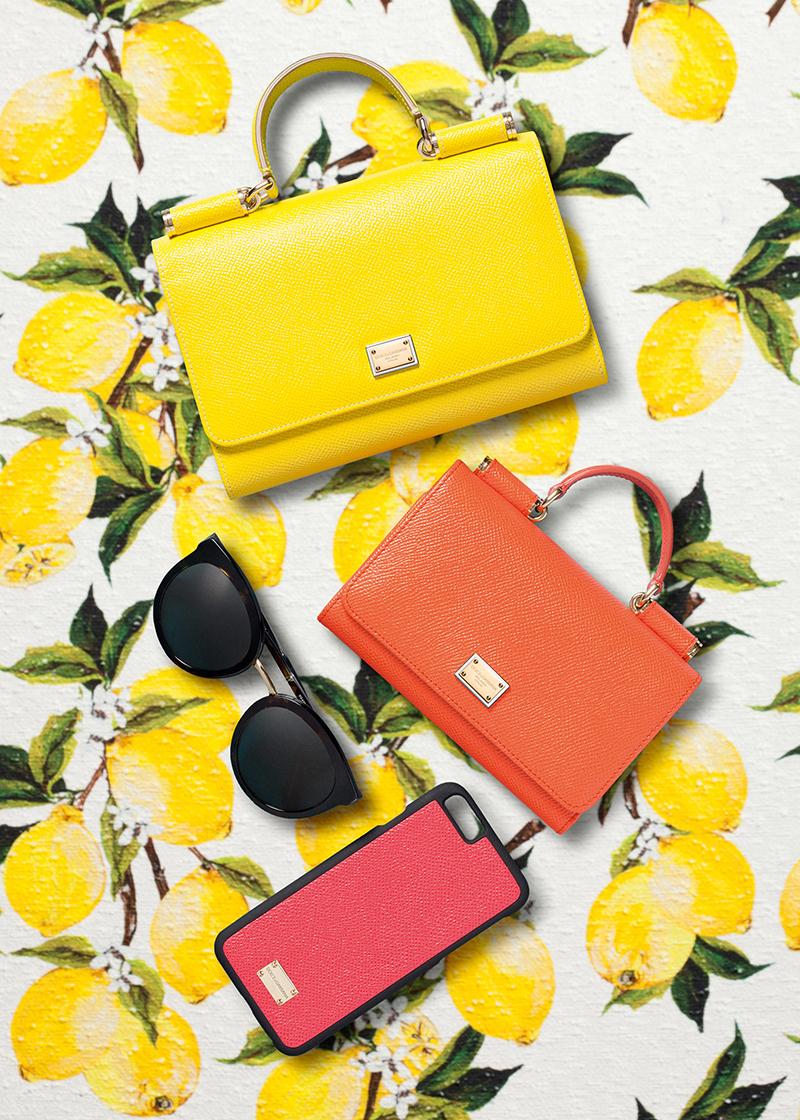 Однотонные сумки, но они также притягивают взгляд яркими цветами: апельсиновым или мандариновые.