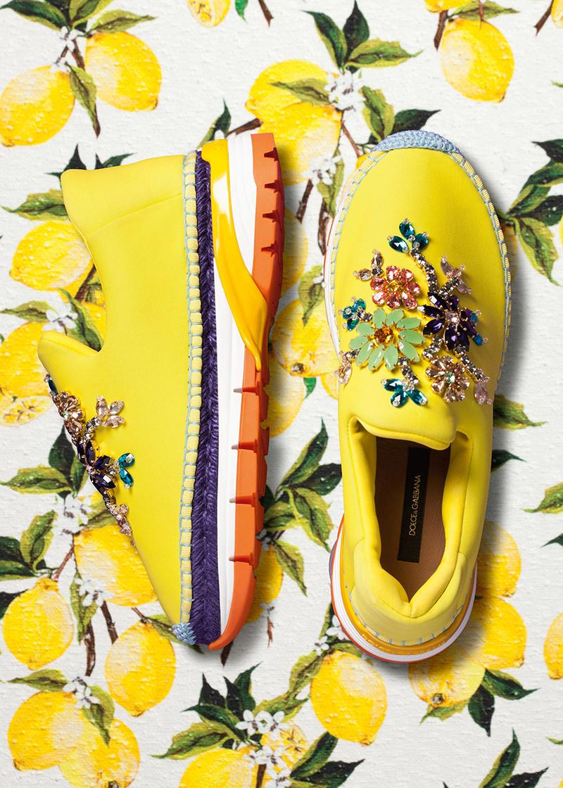 Туфли яркой лимонной расцветки