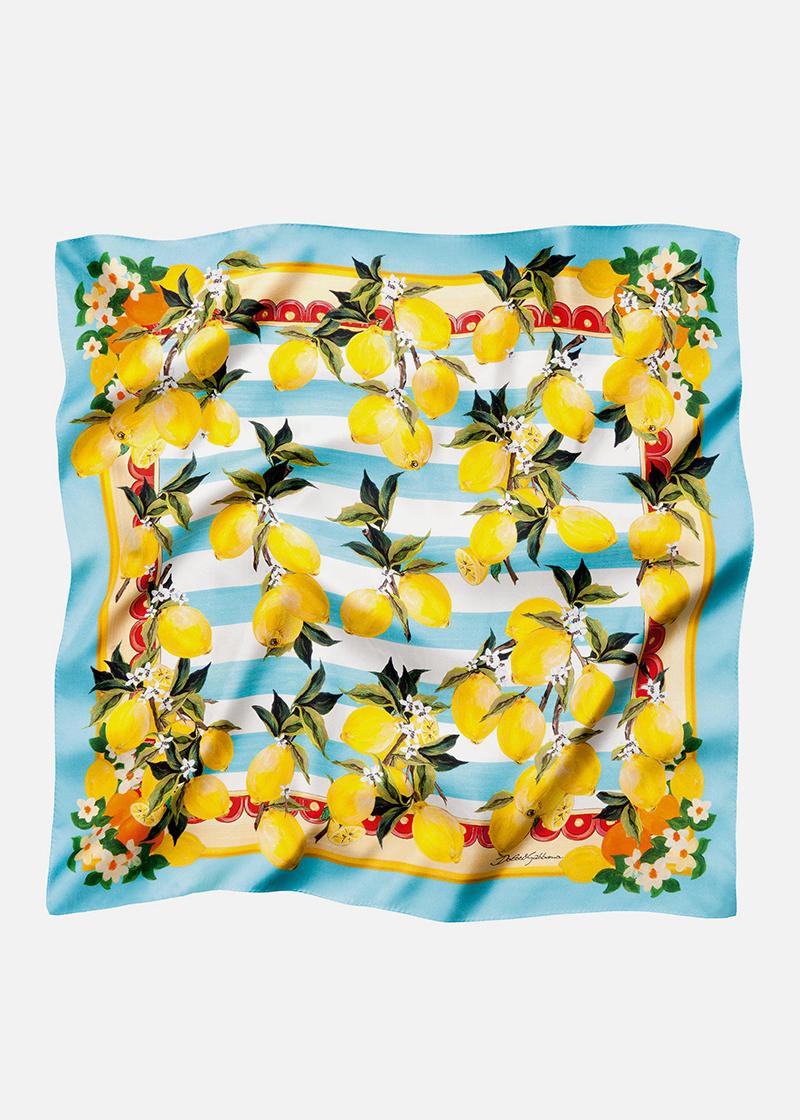 Очень яркий платок в лимонах.