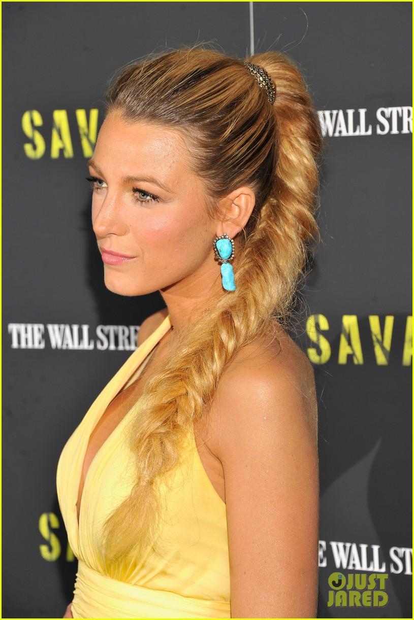 Прически на длинные волосы - хвост заплетенный французской косой.
