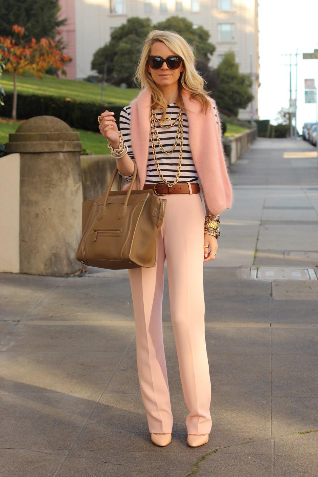 Монохромные наряды - наряд выполнен в тонах от светло розового до ярко розовго цветов.