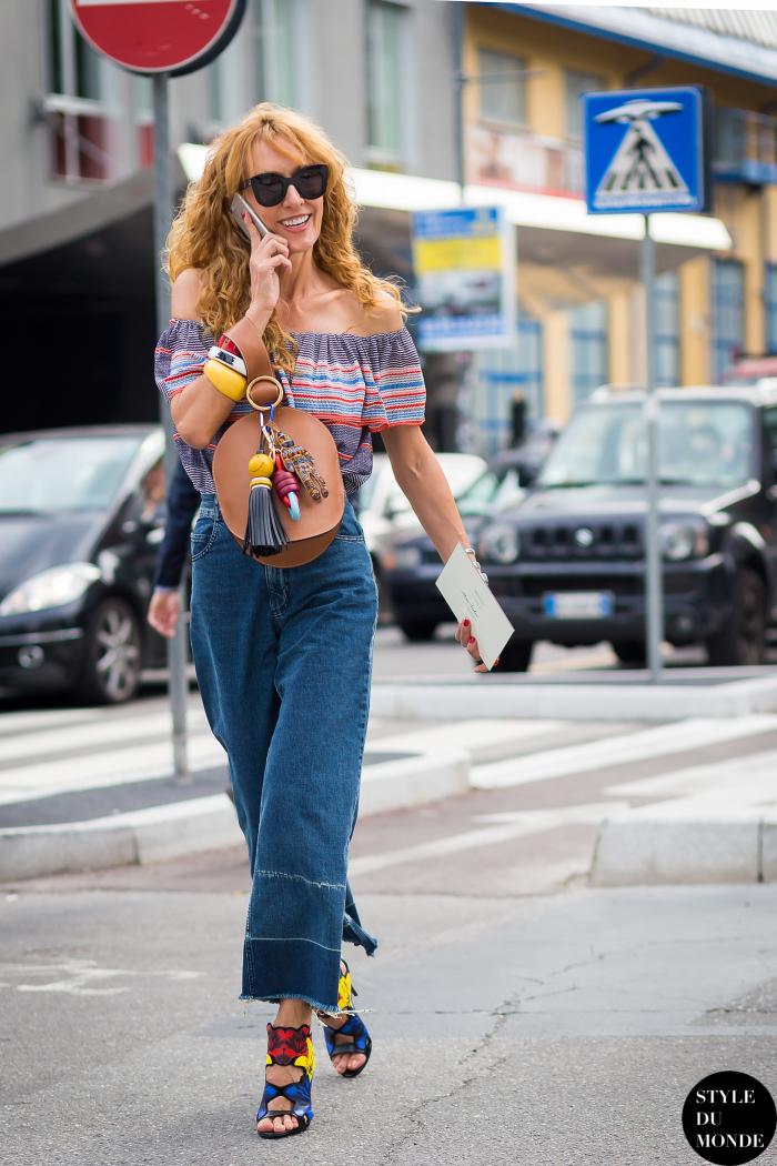 Укороченные джинсы – самый новый тренд этого сезона.