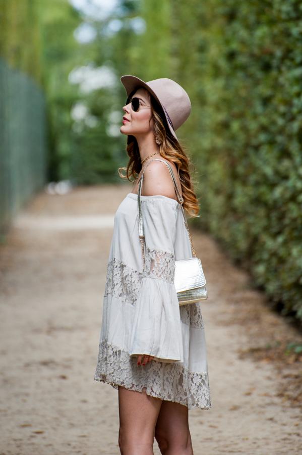 Бохо-шик стиль - аксессуары в виде шляпки с полями.