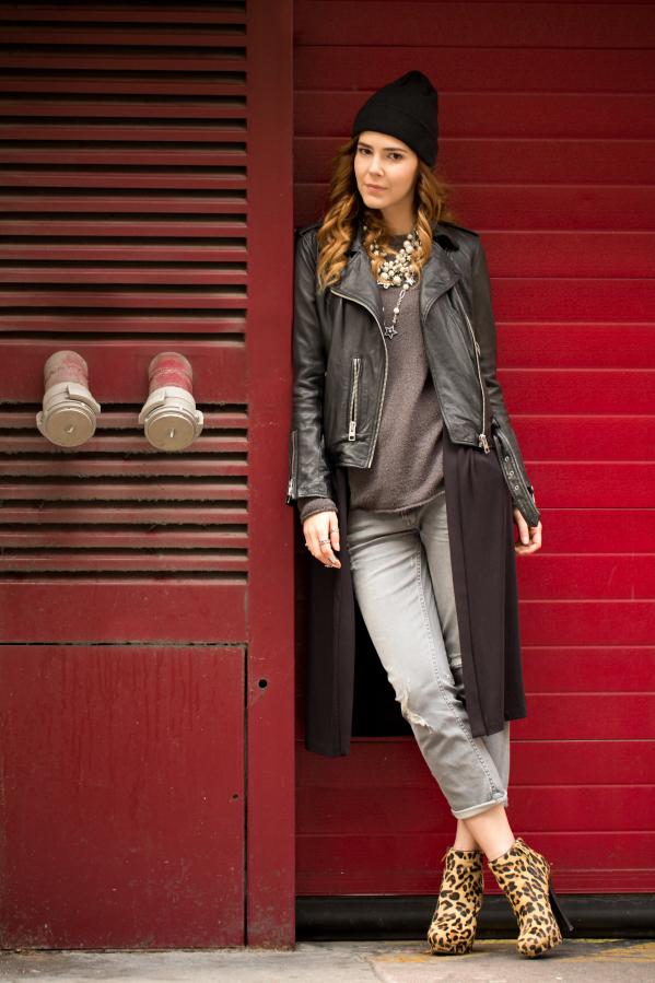 Бохо-шик стиль - куртка косуха, замшевая обувь.