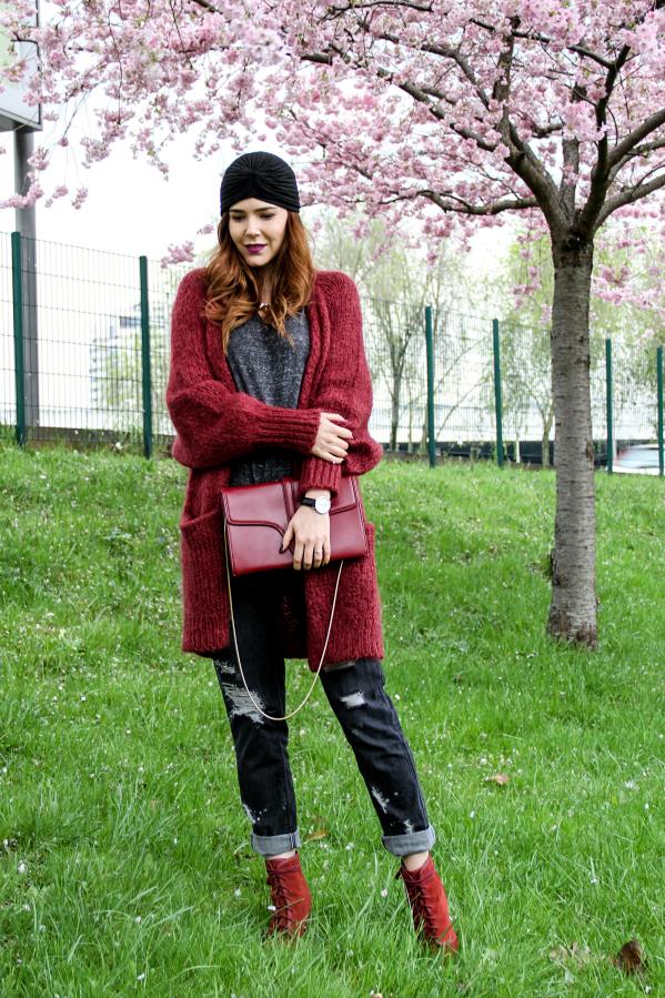 Бохо-шик стиль - элегантная замшевая обувь, вязанный кардиган.