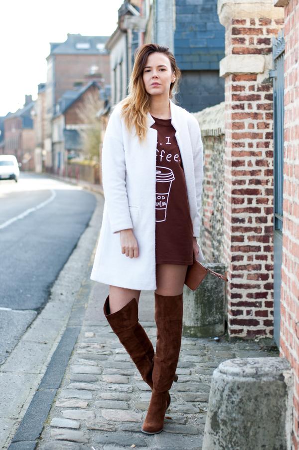 Бохо-шик стиль - элегантные замшевые сапоги ботфорты.