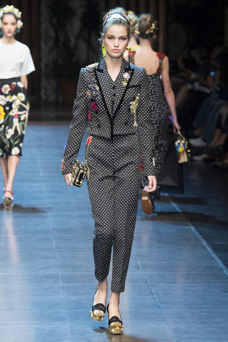 Брючный костюм из коллекции Dolce & Gabbana.