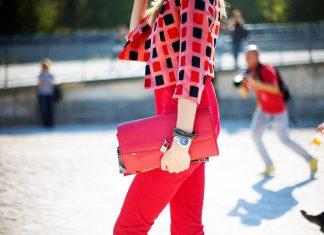 18 модных нарядов с красными брюками