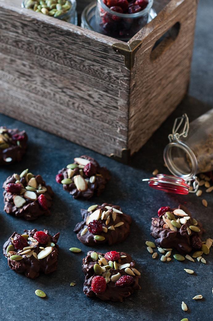 Приготовление домашних шоколадных конфет.