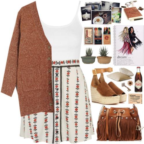 Модный лук 2016 - светло бежевая юбка с принтом, белая майка и жакет.