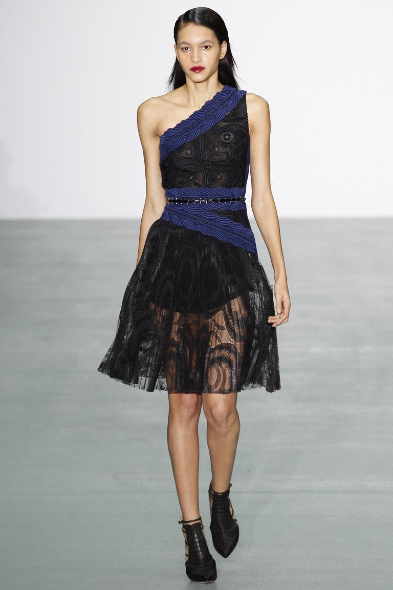 Мода осени 2016 - фото обзор трендов из коллекции Antonio Berardi.