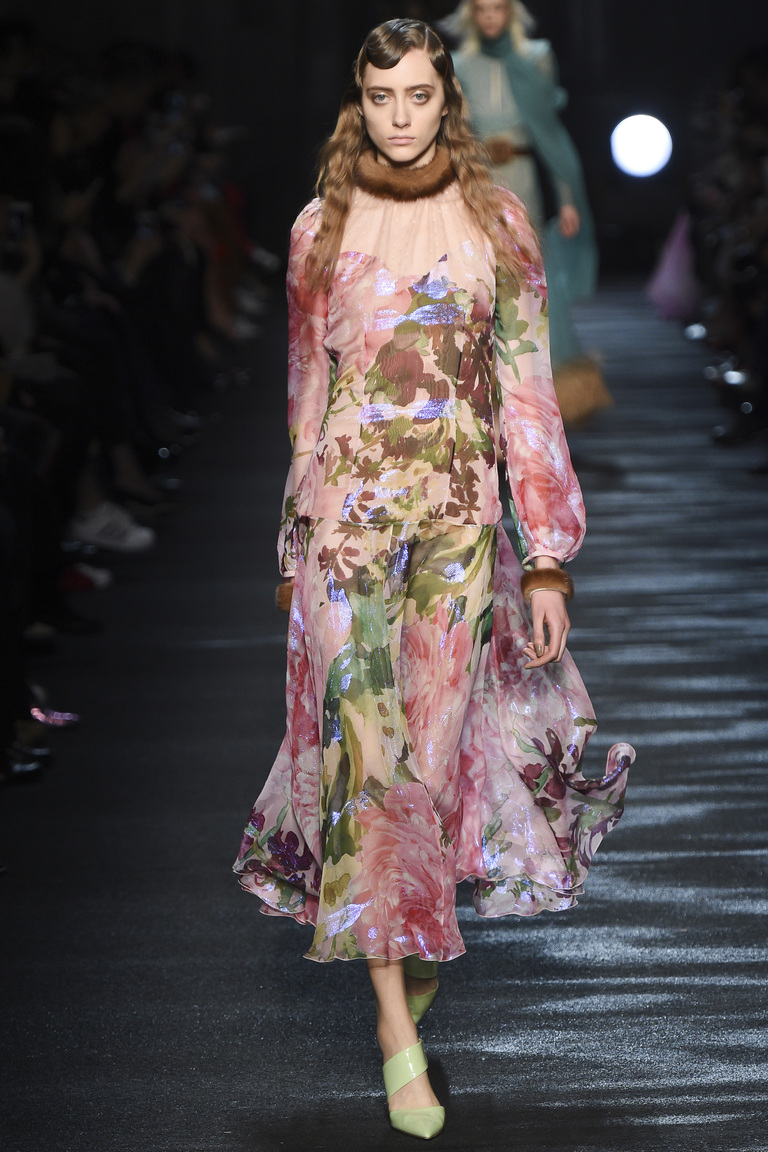 Мода осени 2016 - фото новинки из коллекции Blumarine.