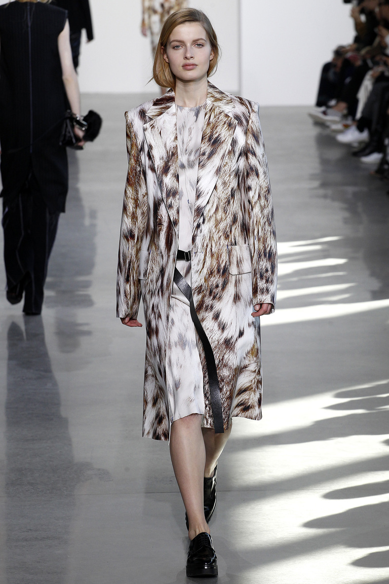 Мода осени 2016 - фото новинки из коллекции Calvin Klein.