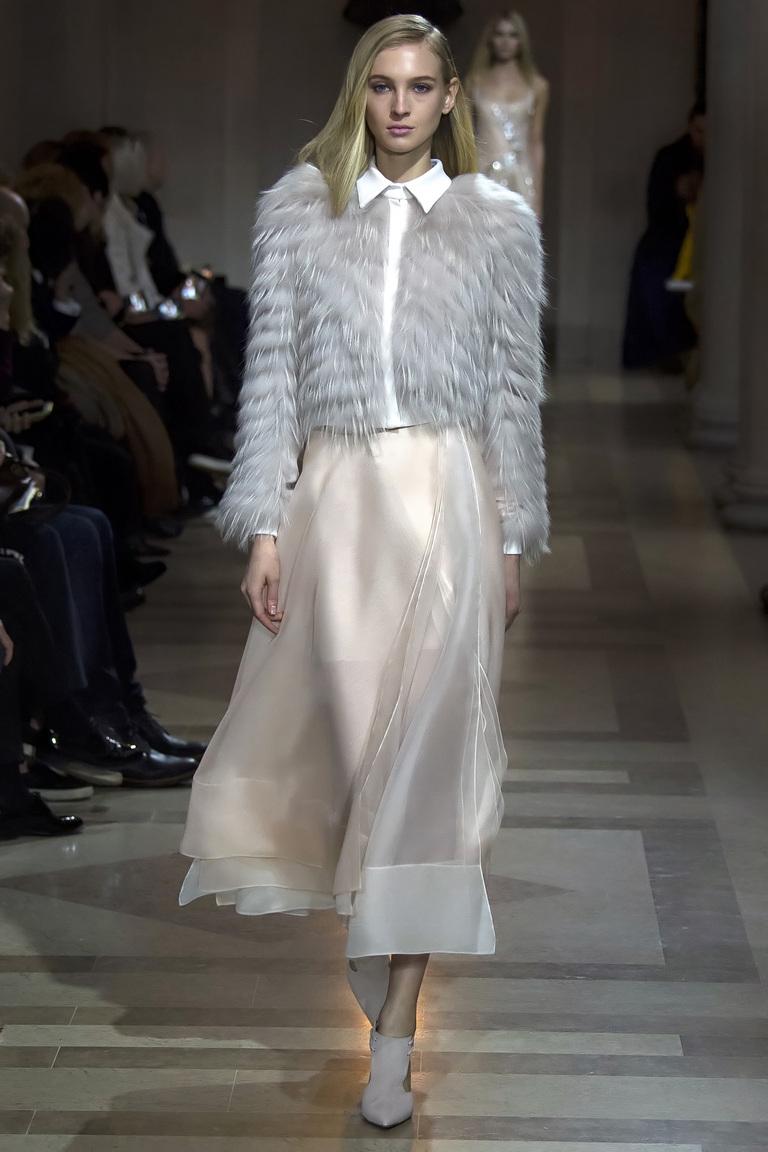 Мода осень-зима 2016-2017 - фото новинки из коллекции Carolina Herrera.