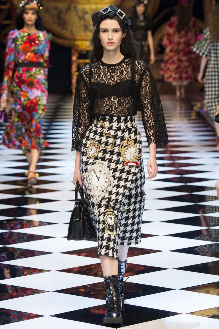 Мода осени 2016 - фото новинки из коллекции Dolce & Gabbana.