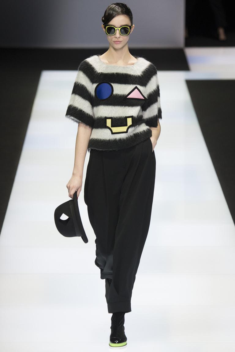 Мода осени 2016 - фото новинки из коллекции Emporio Armani.