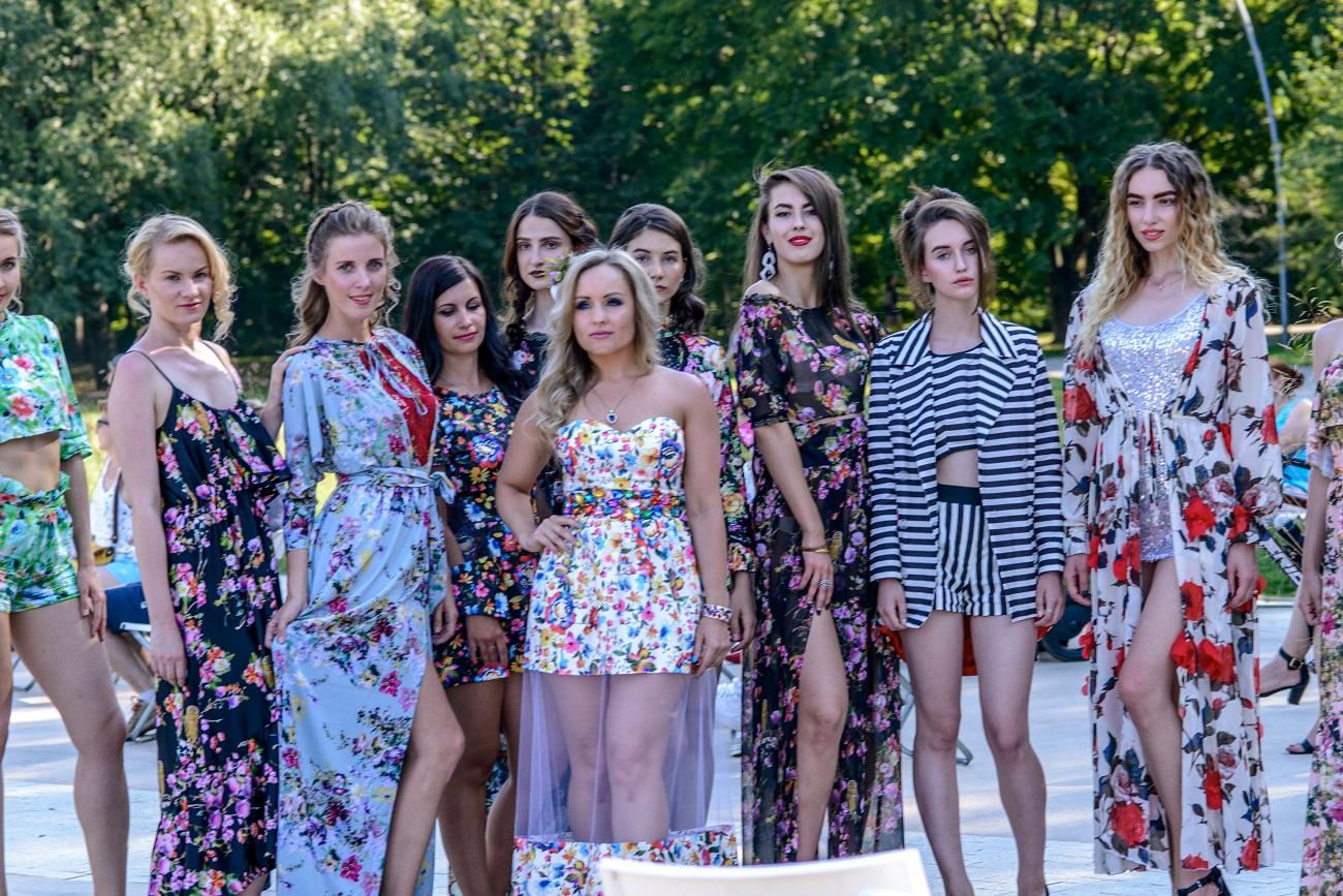 Фото Дениса Макеева. Ольга Еремина с моделями агентства Professional Models (1)