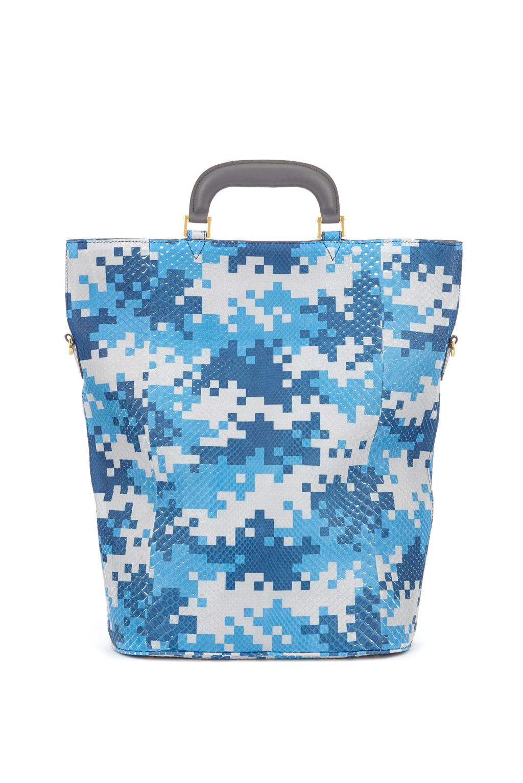 Большие сумки: модные тренды - сумка с геометрическими принтами из коллекции Anya Hindmarch.