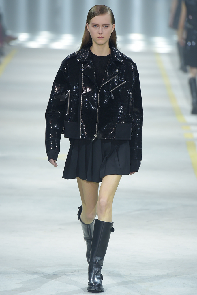 На фото: чёрная куртка украшенная пайетками - главный тренд сезона от Diesel.
