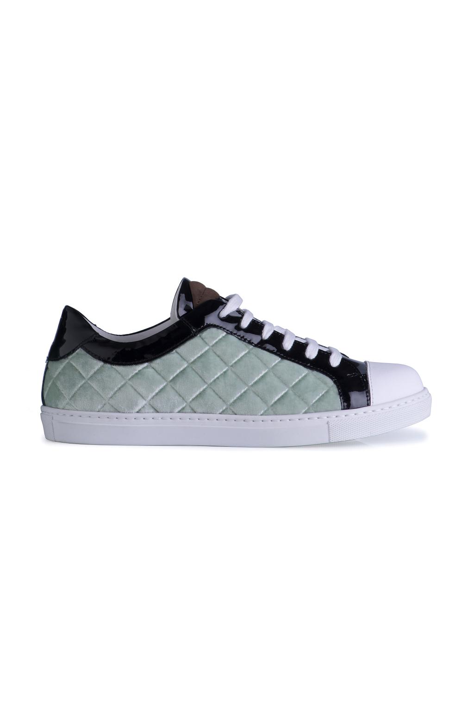 На фото: обувь в тренде комфорт из коллекции Giannico.